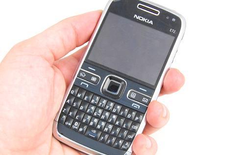 Features : Nokia E72 - Enjoying the Upgrade - HardwareZone