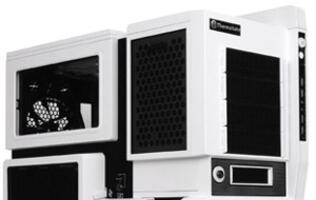 Thermaltake Flaunts its Level 10 GT Snow Edition Chassis