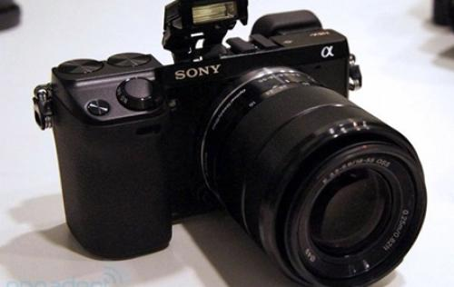 Sony Postpones Alpha NEX-7 Release and Curbs A65 Production Due to Thailand Flooding
