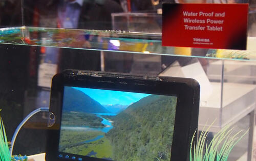 Toshiba Waterproof Tablet Charged Wirelessly in Water - HardwareZone