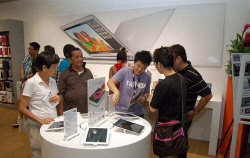 Nubox Opens 10th Apple Premium Reseller Store at Sim Lim Square