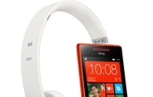 Windows Phone 8S by HTC - WP8 Goes Funky