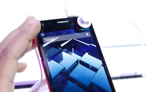 Alcatel Introduces the World's Thinnest Smartphone at CES 2013