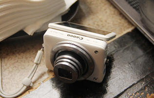 Hands-on with the Canon PowerShot N and the EOS 100D