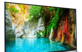 "Panasonic Claims Its New 4K TV Will Deliver ""Plasma Quality with LED Technology"""