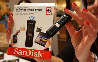 SanDisk Connect Wireless Flash Drive Rescues Mobile Devices with No Expandable Storage