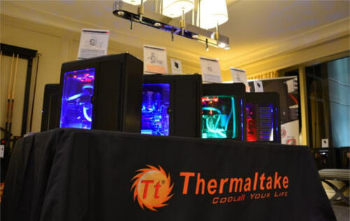 Thermaltake Displays PC DIY Products at CES 2014