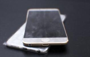 Alleged Apple iPhone 6 Shells Leaked, Hints of Thinner Design with Super Thin Bezel