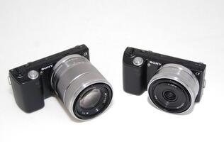 Sony NEX-5 - The Next Generation of Digital Compact Cameras