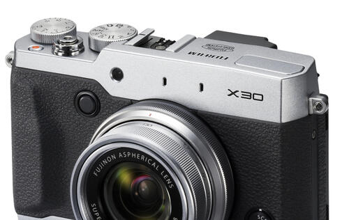 Hands-on with the Fujifilm X-30: Frankly, it's pretty good