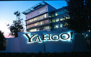 The U.S. government threatened to fine Yahoo US$250,000 a day