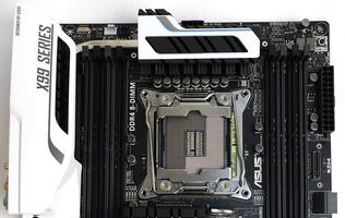 First Looks: ASUS X99-Deluxe motherboard