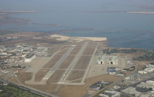 Google takes over Moffett Airfield from NASA