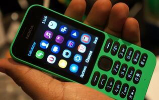 Ultra affordable Nokia 215 ready to connect the next billion people to the Internet