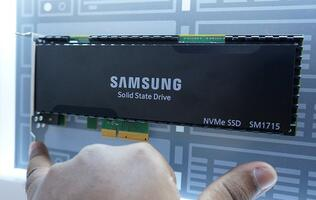 Samsung's new PCIe SSD drives spotted at CES 2015