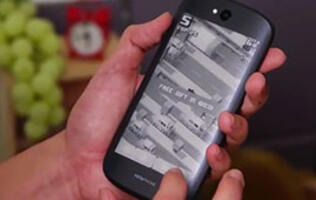 First Looks: YotaPhone 2
