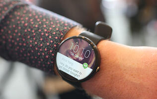 Android Wear fights back with Wi-Fi support and gesture controls in next update