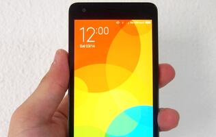Xiaomi Redmi 2 - Same price, better specs