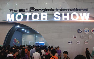 Cool metal and hot babes of the Bangkok Motor Show 2015