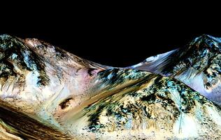 NASA finds flowing water on Mars