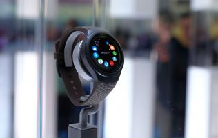 The Samsung Gear S2 goes on sale today; learn how to use it with these videos