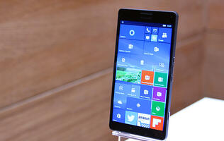 A closer look at the Microsoft Lumia 950 and 950 XL
