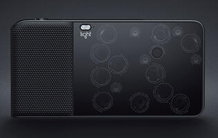 The Light L16 is a 16-camera digital compact camera that takes photos up to 52MP