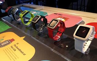 Pebble Time smartwatch now available in Singapore