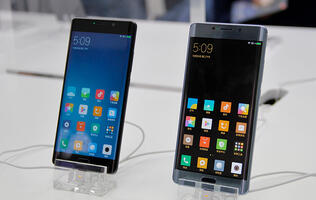Hands-on with the Xiaomi Mi Note 2