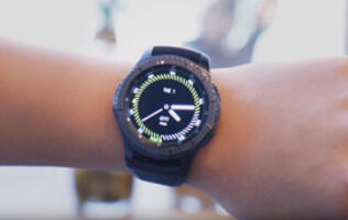 A closer look at the Samsung Gear S3 smartwatch