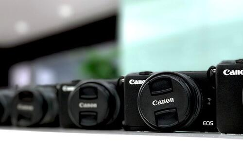 HardwareZone members get up close and personal with Canon's EOS M cameras