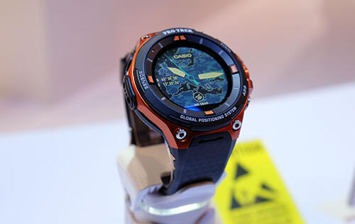 Casio's latest WSD F-20 smartwatch comes with GPS and color maps (Updated)