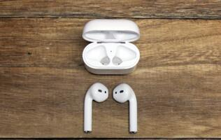 "iOS 10.3 will include ""Find My AirPods"" feature"
