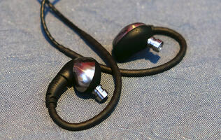 Echobox announces Nomad and Traveler titanium headphones with 3-year long warranties