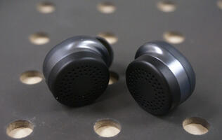 Here One wireless smart earbuds review: Great sound, poor stamina
