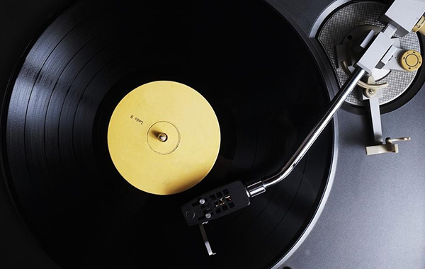 The Internet Archive now has over 50,000 digitized vinyl records for your listening pleasure