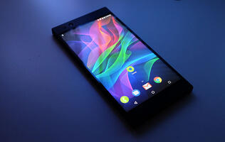 Hands-on with the Razer Phone: Big bezels, big sound, big ambitions