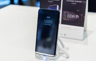 In pictures: The all-screen LG V30+