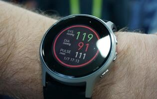 This is the world's first smartwatch with accurate blood pressure monitoring