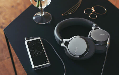 Sony's latest ultra-light MDR-1AM2 headphones take after the Z1R (Updated)
