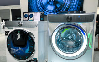 Samsung's QuickDrive washing machine promises to cut your laundry time in half