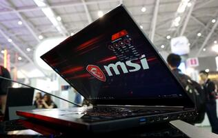 First Looks: MSI GS65 Stealth Thin takes thin bezel gaming notebooks to new extremes