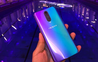 The Oppo R17 Pro has a trippy rear glass design and a three-sensor camera for 3D captures