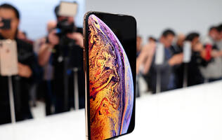 Apple iPhone XS and XS Max telco price plan comparison