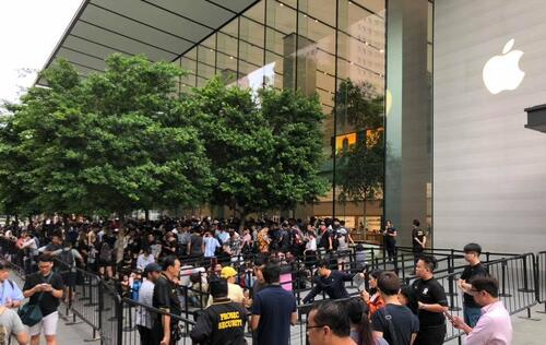Hundreds queue up across Singapore for the Apple iPhone XS and XS Max launch