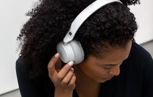 Microsoft enters the headphone space with the Surface Headphones