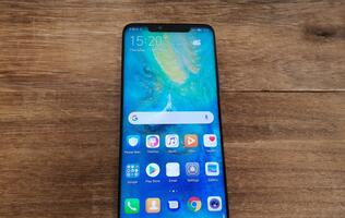 Close-up: Huawei Mate 20 Pro and Mate 20 in pictures