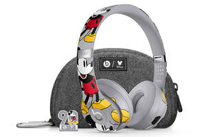 Beats by Dre has unveiled a limited Mickey Mouse edition of its Solo3 headphones