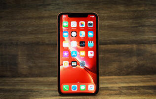 Apple iPhone XR (256GB) review