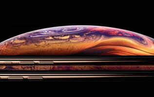 Woman sues Apple for hiding the notch in iPhone XS marketing images